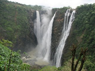 Read more about the article List of Waterfalls in Karnataka