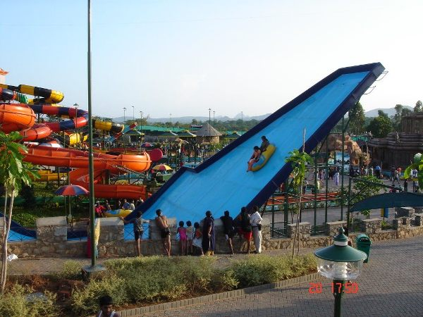 Read more about the article 10 Best Amusement Parks in India