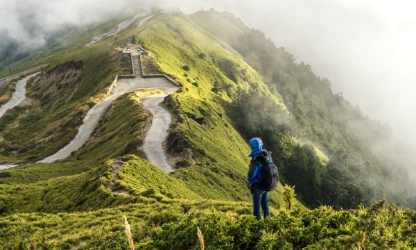 Read more about the article 7 Reasons Why Travel Makes You Super Awesome