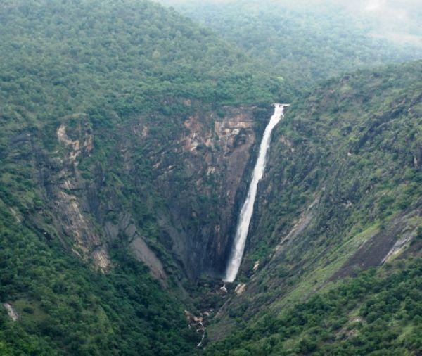 Thalliyar Falls