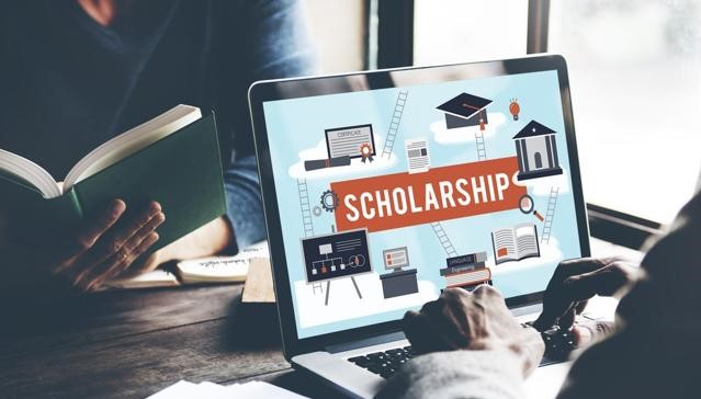 Read more about the article 5 Scholarship Preparation Tips from Achievers