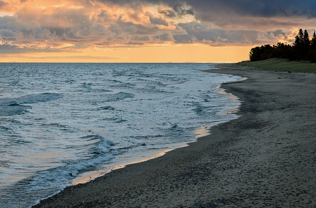 Read more about the article 25 Largest lakes in the United States