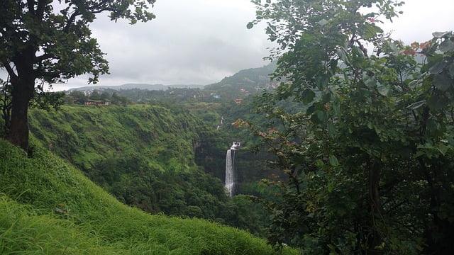 Read more about the article List of Waterfalls (Major, Tallest) in Maharashtra