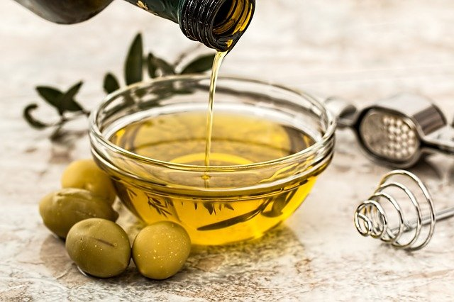 Read more about the article 4 Best Natural Oils for Your Skin